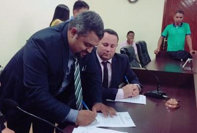Assinatura da Ata de posse do novo Presidente